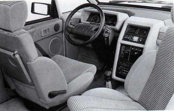 renault espace la voiture vivre souvenirs des ann es 80. Black Bedroom Furniture Sets. Home Design Ideas